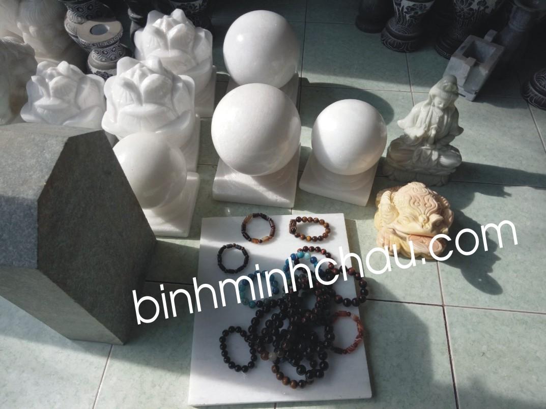 Chế tác đá mỹ nghệ quả cầu bằng đá