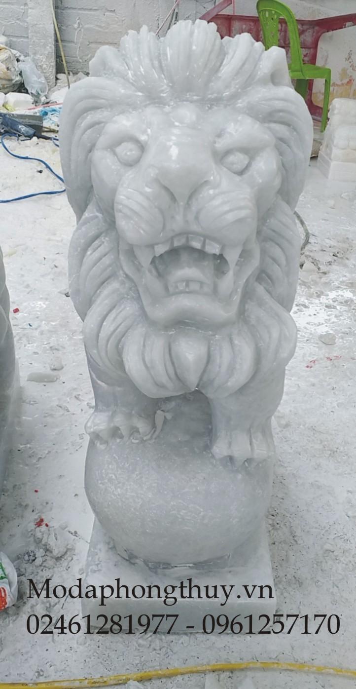 Tượng sư tử bằng đá